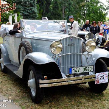Walter Princ 1933 skaroserií firmy Petera Radima Hlaváčka ze Slováckého VCC je prostě krásný. Jak se vněm jede, by mohl prozradit redakční kolega